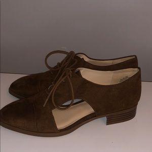 Nine West Suede Cutout Oxford Shoe